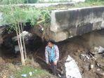 jembatan-ambruk-di-pedalaman-peudada_20170913_191103.jpg