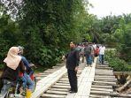 jembatan-darurat-di-pedalaman-nagan-raya_20171117_153937.jpg