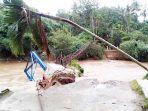 jembatan-gantung-di-gampong-keuraweung-blang.jpg