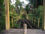 jembatan-gantung-di-gampong-kumbang-kecamatan-mila_20180205_183609.jpg