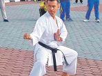kajati-aceh-dr-chaerul-amir-sh-mh-melakukan-demo-karate_20180717_081908.jpg