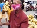 kakek-menggunakan-bra-sebagai-masker.jpg