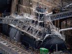 kapal-selam-milik-angkatan-laut-perancis-sedang-berlabuh.jpg