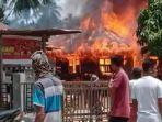 Satu Rumah di Padang Tiji Pidie Terbakar, Juga Hanguskan Traktor dan Barang Lain, Ini Dugaan Penyebab thumbnail