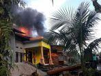 kebakaran-menghanguskan-rumah-penduduk-desa-tulaan-gunung-meriah.jpg