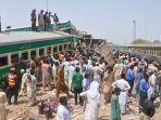 kecelakaan-kereta-api-di-pakistan-10-tewas.jpg