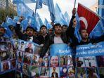 kelompok-uighur-berdemonstrasi.jpg