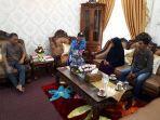 keluarga-perusak-patung-di-malaysia.jpg