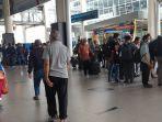 kepala-desa-telantar-di-bandara-kualanamu-_-hendak-bintek-ke-lombok.jpg