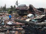 kerusakan-pada-rumah-rumah-setelah-diterjang-topan-hagibis.jpg