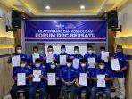 ketua-dpc-partai-demokrat-yang-tergabung-dalam-forum-dpc-bersatu-berfoto-bersama-muslim.jpg