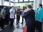 ketua-mpr-bambang-soesatyo-dua-kiri-didamping-rektor-usk-prof-dr-ir-samsul-rizal-meng.jpg