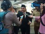 ketua-pssi-edy-rahmayadi-saat-diwawancarai-wartawan-di-dprd-sumut.jpg