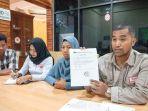 ketua-yayasan-advokasi-rakyat-aceh-yara-safaruddin_20180925_102240.jpg