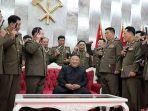 kim-jong-un-berpose-bersama-para-jenderal.jpg