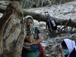 korban-banjir-bandang-di-kabupaten-luwu-utara-sulawesi-selatan.jpg