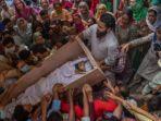 korban-tembakan-di-kashmir-india-dimakamkan.jpg