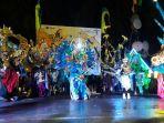 kostum-karya-nabil-cartyn-menangkan-night-carnival-sail-sabang_20171130_104954.jpg