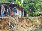 Erosi Krueng Kiran Pidie Jaya Makin Mengganas, Rumah, Meunasah Terancam Ambruk, Dinas PU Lakukan Ini thumbnail