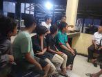 lima-bocah-asal-tanjong-ara-kecamatan-tanah-jambo-aye-dibawa-ke-mapolsek-setempat.jpg