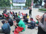mahasiswa-berdoa-untuk-bj-habibie.jpg