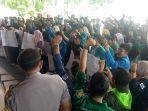 mahasiswa-demo-kantor-gubernur-aceh.jpg