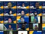 mahasiswa-umuslim-yang-lulus-mengikuti-pembekalan-secara-daring.jpg