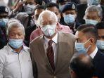 mantan-perdana-menteri-malaysia-najib-razak-mengenakan-masker.jpg