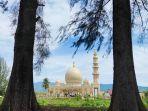 masjid-haji-keuchik-leumiek-lamseupeung-banda-aceh.jpg