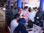"TNI AL Gelar ""Ship to Ship"" Vaksinasi Covid-19 di Banten, Layani Mulai dari Cirebon hingga Sabang thumbnail"