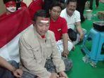 menpora-imam-nahrawi-usai-nobar-timnas-indonesia-lawan-malaysia-di-surabaya_20170827_101617.jpg