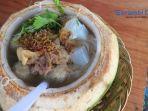 mie-bakso-mangkok-kelapa-muda-primadona-baru-kuliner-di-meulaboh-aceh-barat.jpg