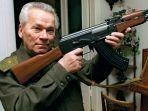 mikhail-kalashnikov-adalah-jenderal-rusia-yang-menciptakan-senapan-serbu-jenis-ak-47.jpg