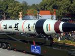 misil-atau-rudal-agni-5-milik-india-saat-dipamerkan-ke-hadapan-publik_20180119_204509.jpg