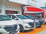 mobil-xenia-dijejerkan-di-depan-showroom-pt-astra-daihatsu_20180218_073816.jpg