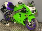 motor-klasik-kawasaki-zx7-rr.jpg