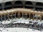 muslim-berdoa-di-masjidil-haram.jpg
