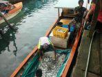 nelayan-kepulauan-banyak-aceh-singkil-berhasil-menangkap-ikan-gergak.jpg
