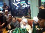 opick-bawa-pulang-sehelai-rambut-nabi-muhammad-saw-ke-indonesia.jpg