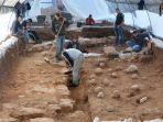 orang-orang-menggali-situs-sejarah_20181017_141824.jpg