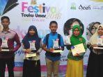 para-juara-lomba-menulis-puisi-festival-teuku-umar_20180511_091159.jpg