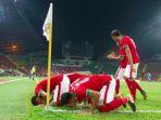 para-pemain-timnas-indonesia-bersyukur-seusai-menjebol-gawang-filipina-di-sea-games-2017_20170817_223058.jpg