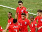 para-pemain-timnas-inggris-merayakan-kemenangan-2-0-atas-swedia_20180711_173214.jpg