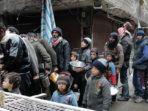 pbb-mengatakan-sekitar-18000-pengungsi-palestina-berada-di-dalam-kamp-yarmouk-suriah_20180627_154956.jpg