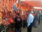 pedagang-menggelar-daging-meugang-di-pasar-pante-tengoh-kecamatan-kota-sigli.jpg
