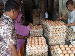 pedagang-telur-di-blangpidie.jpg
