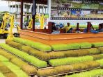 pekerja-beristirahat-di-balee-blang-yang-dibangun-di-kluster_20170505_084047.jpg