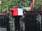 pelepasan-jenazah-pratu-sirwandi-di-batalyon-751vjs-kabupaten-jayapura-papua.jpg