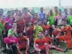 pemain-aceh-united-fc-melakukan-foto-bersama_20171209_212106.jpg