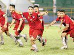 pemain-langsa-united-meluapkan-kegembiraan-usai-menang-adu-penalti.jpg